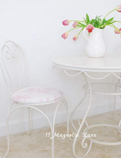 pink and white little girl's bedroom