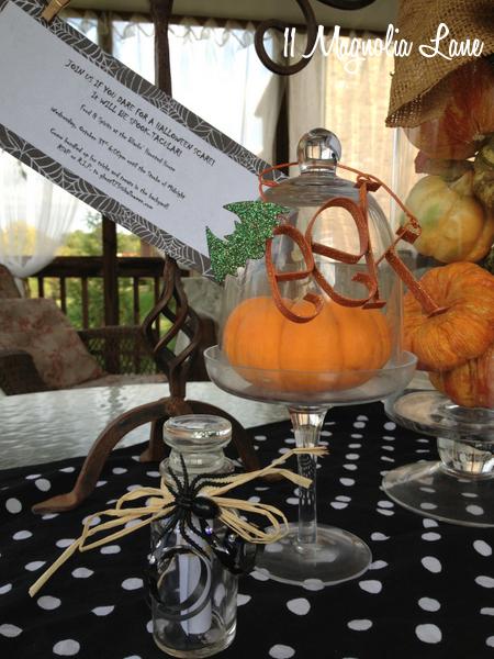 Mini-Apothecary Spice Jars as Creative Halloween Party Invitations