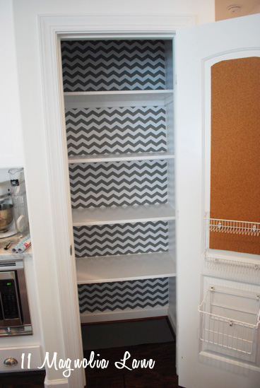 Get Inspired 10 Amazing Pantry Makeovers: Organized Pantry With Chevron Shelf Paper Background