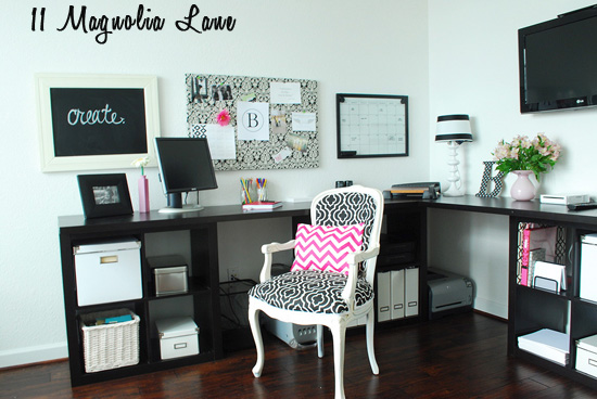 black and white office. i black white and pink home office