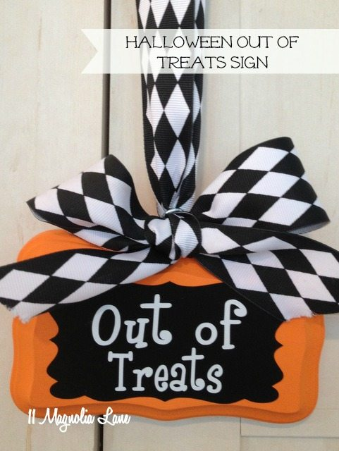 halloween-out-of-treats-sign-orange-2