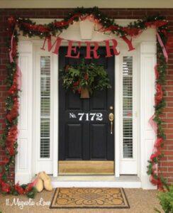 Trash to Treasure: Christmas Front Porch Decor