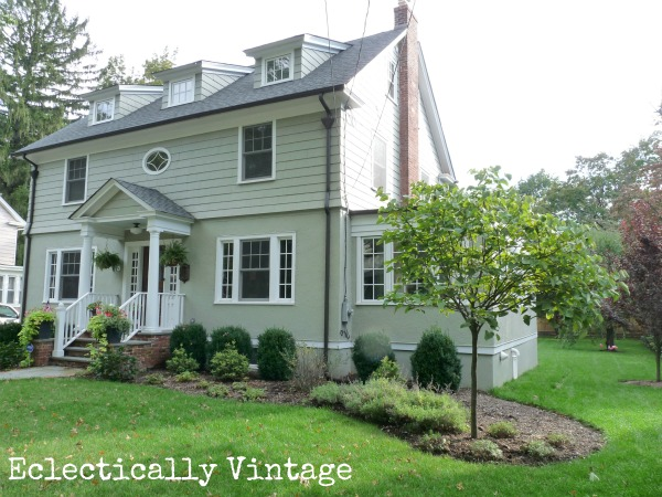 Featuring eclectically vintage 39 s fresh fun decor style for Features of old houses