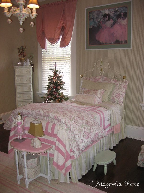 Pink and green little girls room at 11 Magnolia Lane