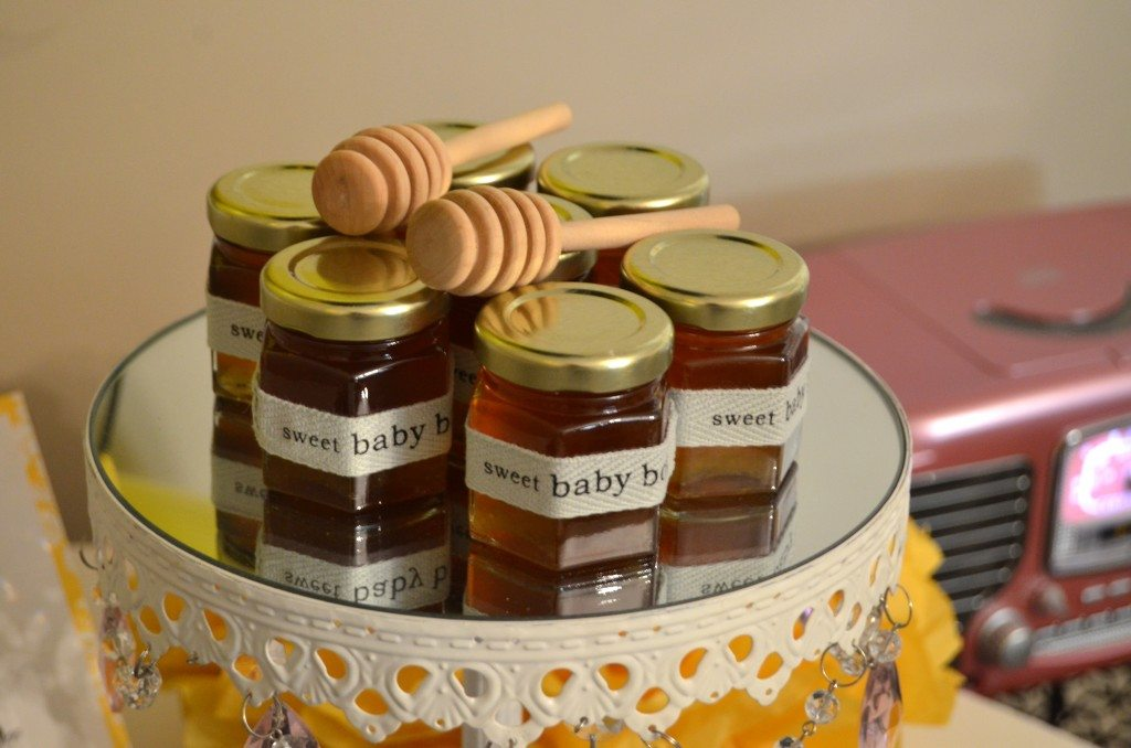 baby shower honey pot favors