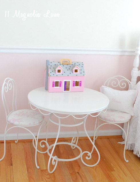 ice cream table and chairs