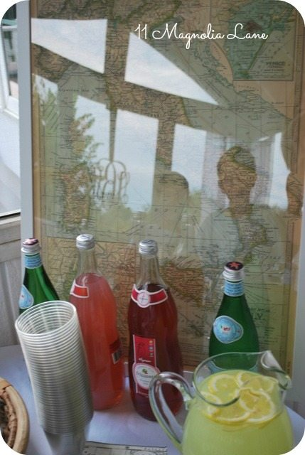 italian map and sodas
