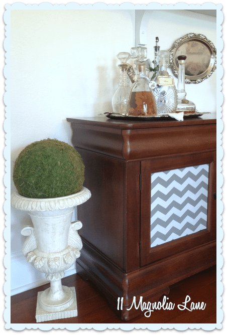 DIY moss sphere in urn