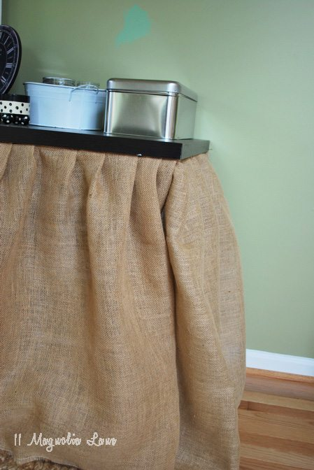 pleats of burlap