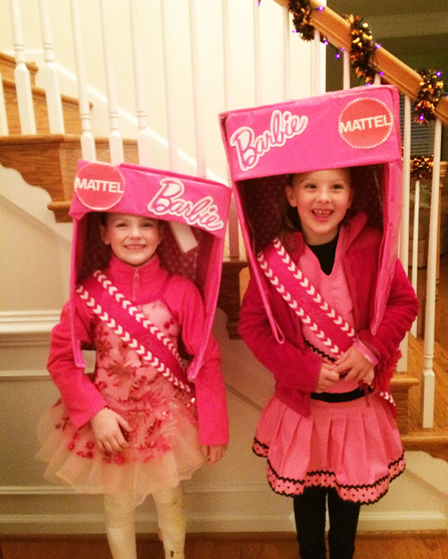 halloween-picture-barbie-in-box-costume