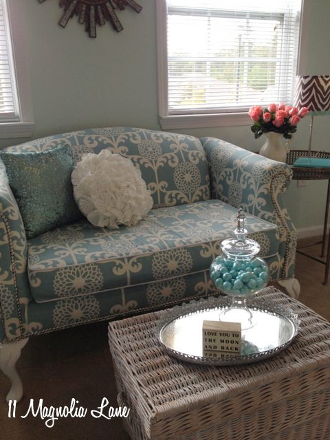 blue white floral loveseat