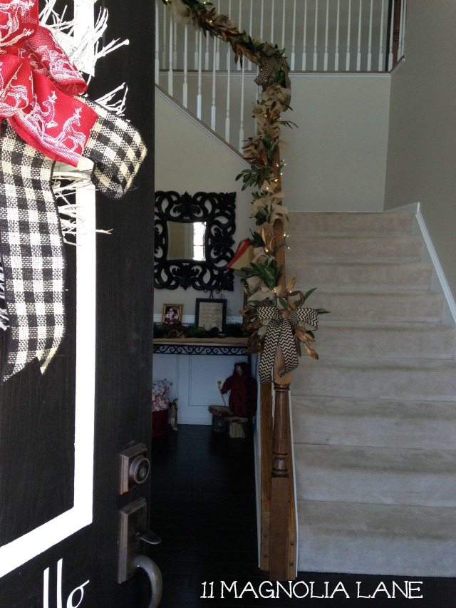 Burlap_Garland_Foyer_Stairs