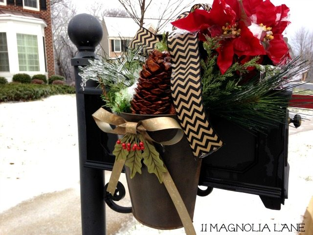 Mailbox_Chevron_Ribbon_Greenery