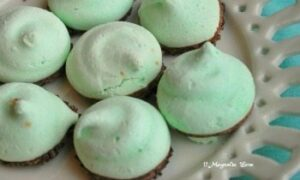 Merry Christmas Dark Chocolate Mint Meringues