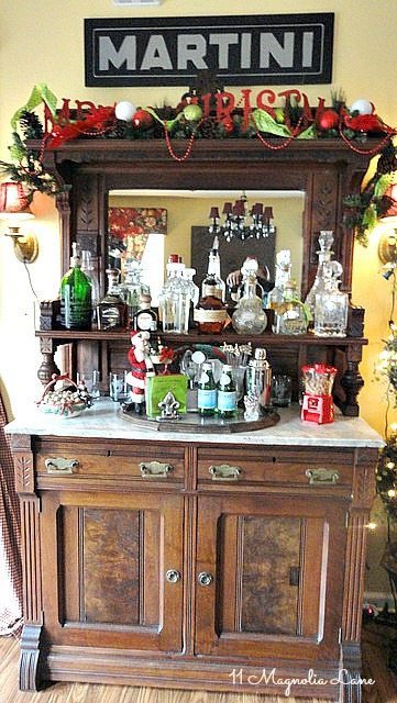 christmas-bar-vintage-martini-sign-vintage-decor