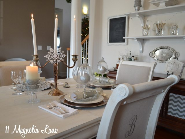 white silver Christmas tables cape