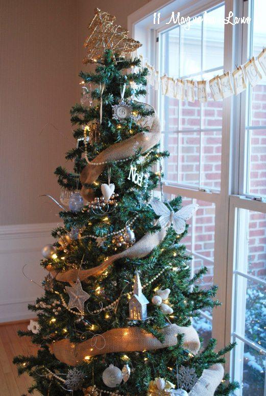 gold-holiday-tree