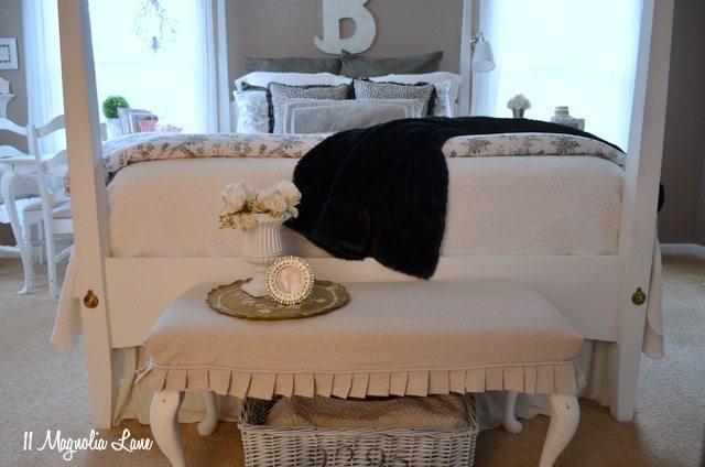 master-bedroom-bench-foot