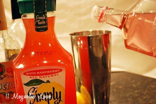 drink poured lemonade