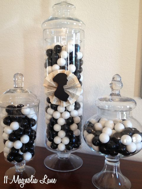 black white gumballs
