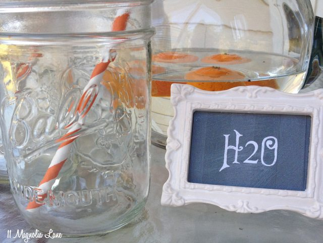 chalkboard-label-h2o-close
