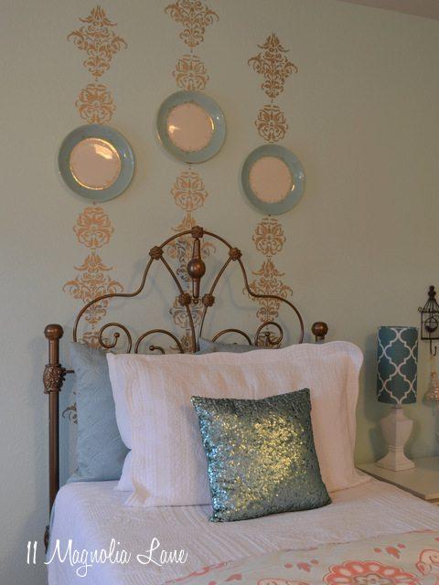 gold-stencil-bedroom
