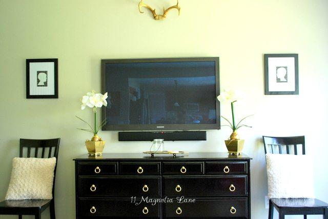 Black Media Dresser