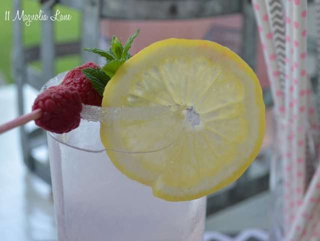 pink-lady-close-lemon