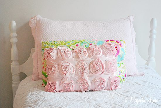 pink-white-gold-girls-bedding