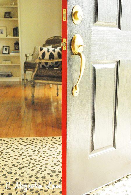 paint lined inside of door