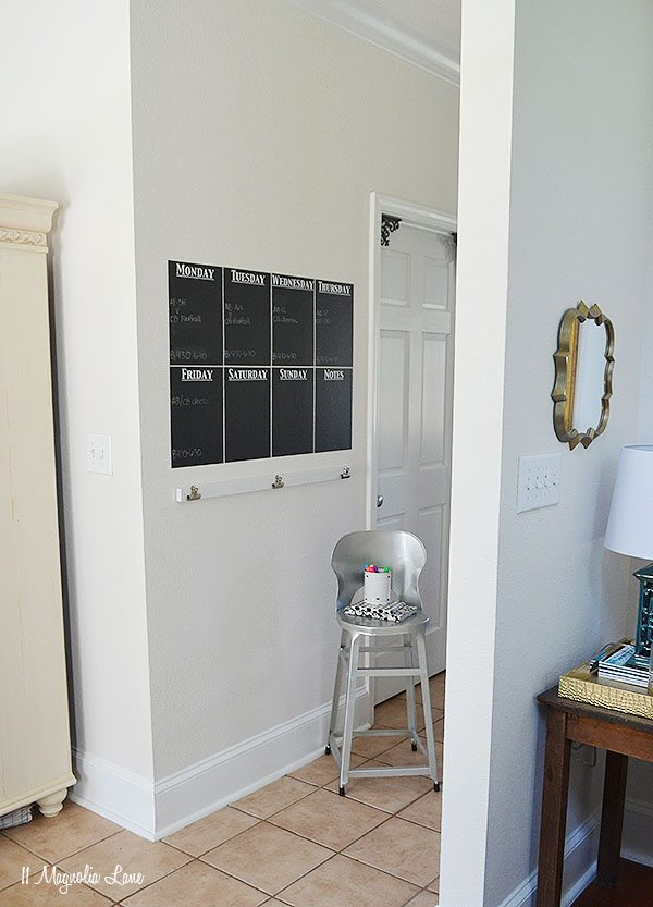 DIY Vinyl Chalkboard Calendar | 11 Magnolia Lane