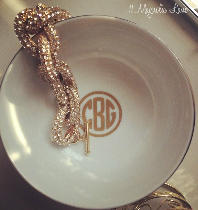 Volunteer gift idea--Jewelry bowl with round gold monogram | 11 Magnolia Lane