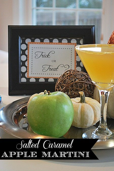 Salted Caramel Apple Martini {SO GOOD!}