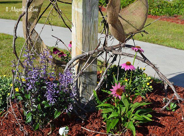Burlap and grapevine Fall mailbox | 11 Magnolia Lane