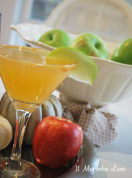 salted-caramel-apple-martini
