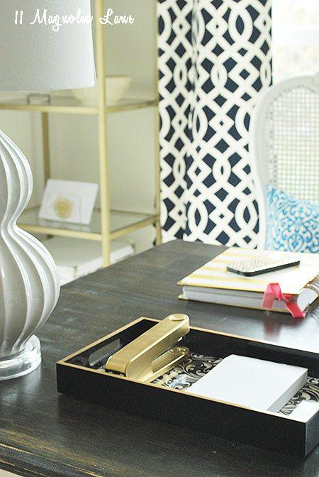 close-up-desk