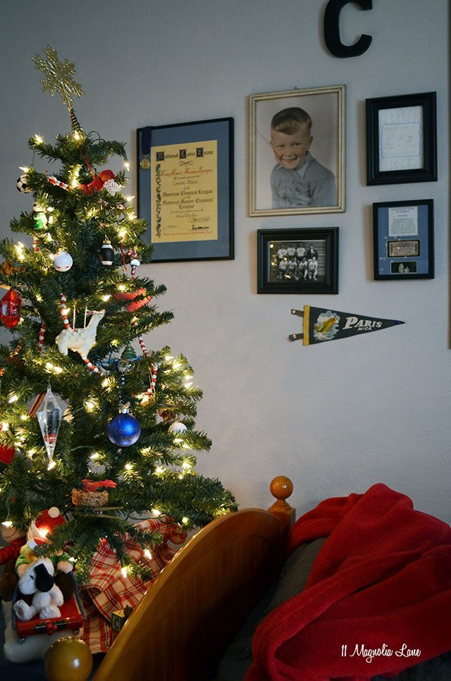 Teen Boy Christmas Decor | 11 Magnolia Lane