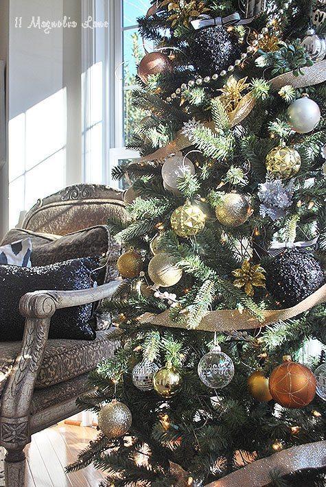 holiday-gold-tree