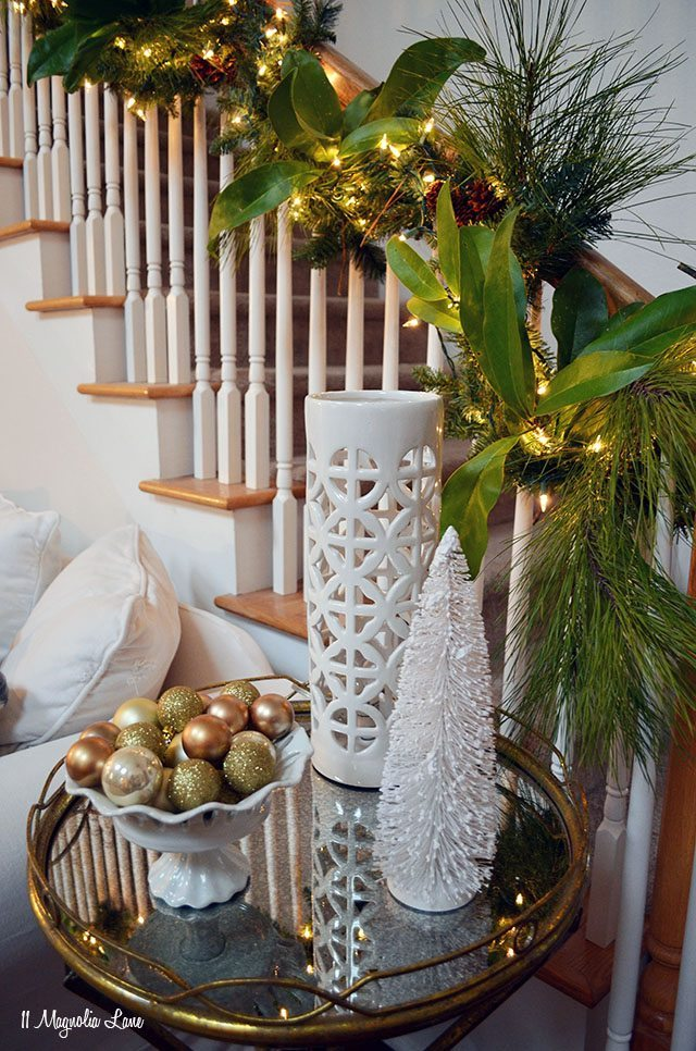 White and gold Christmas decor | 11 Magnolia Lane