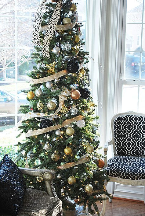 living-room-tree