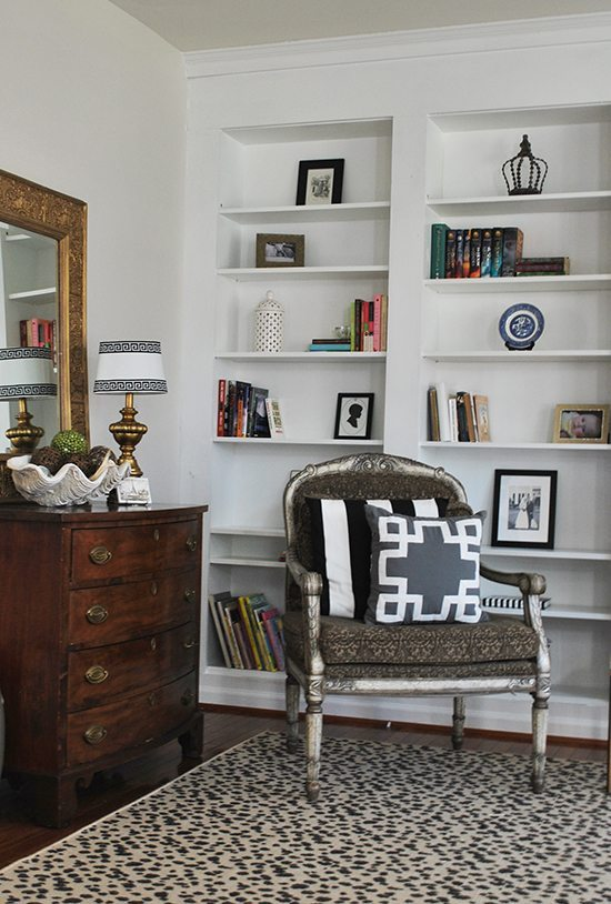 How To Build DIY Built In Bookcases From IKEA Billy Bookshelves - Diy built in shelves