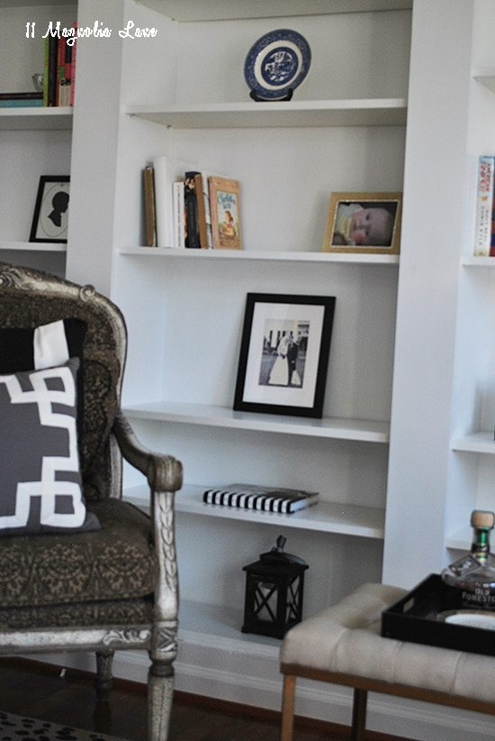 ikea-bookshelves-corner-hack