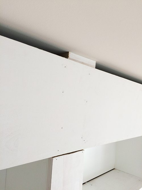 securing-shelves-to-top