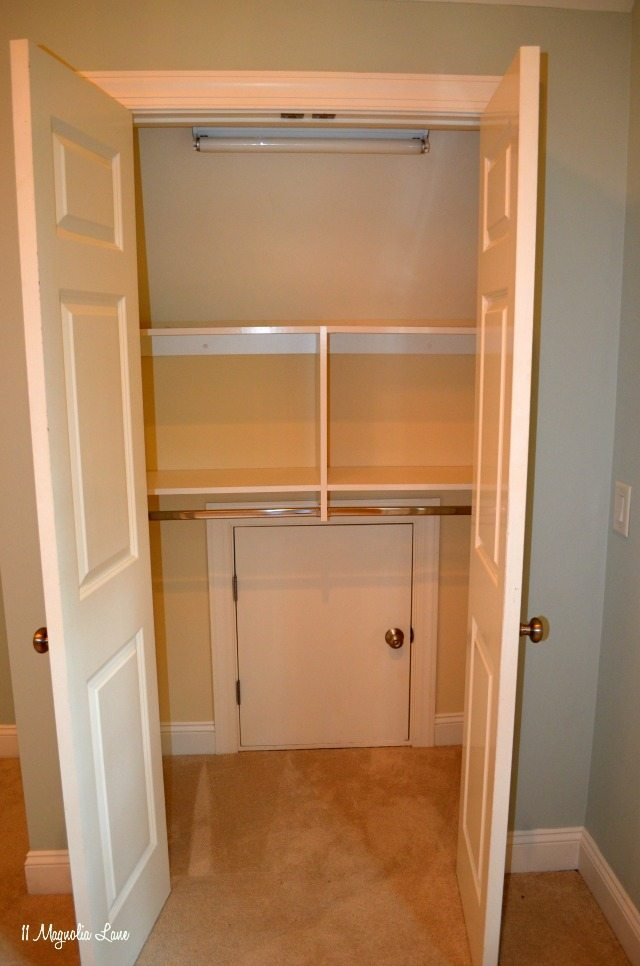 AB-room-closet-open