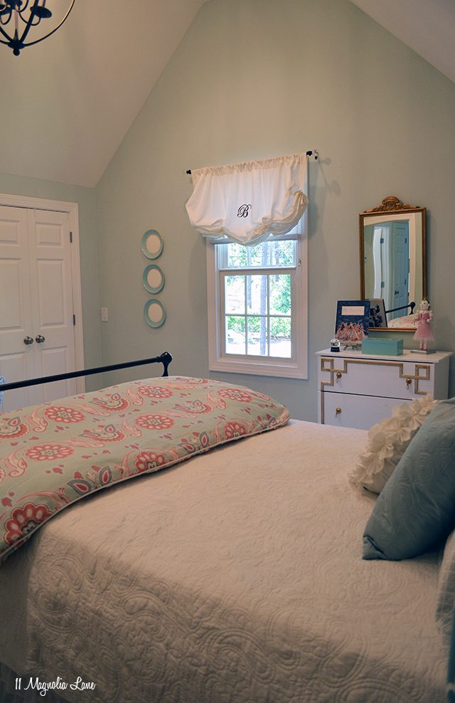 Aqua girls room | 11 Magnolia Lane