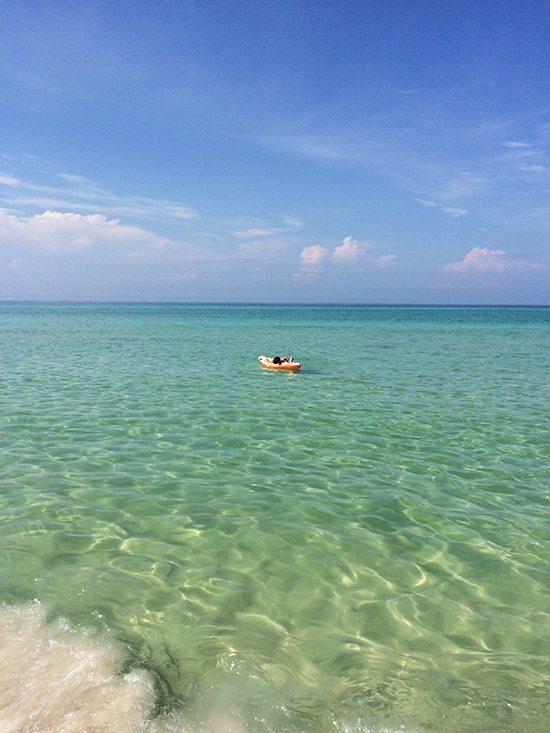 beach-water-raft
