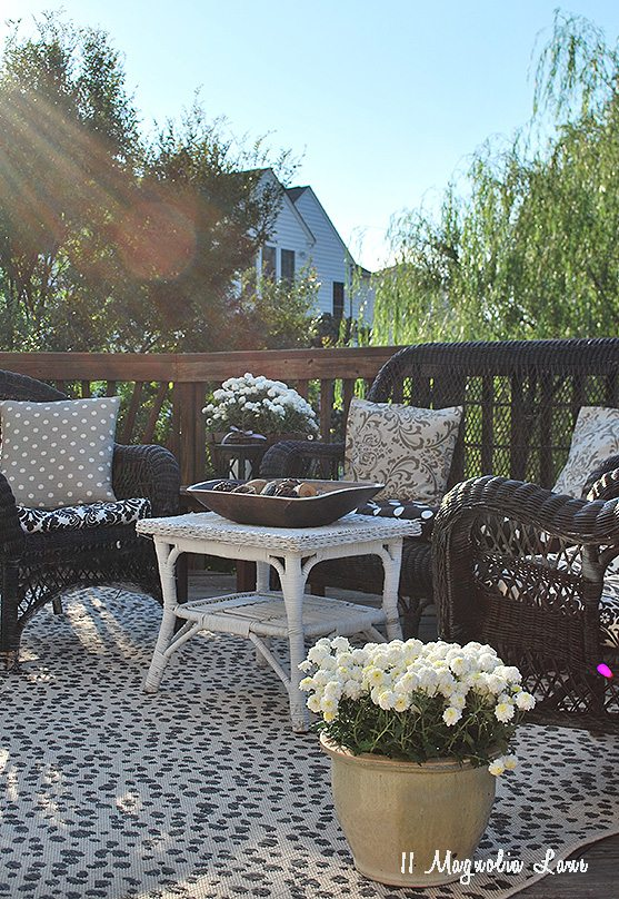 fall deck decor 600x800