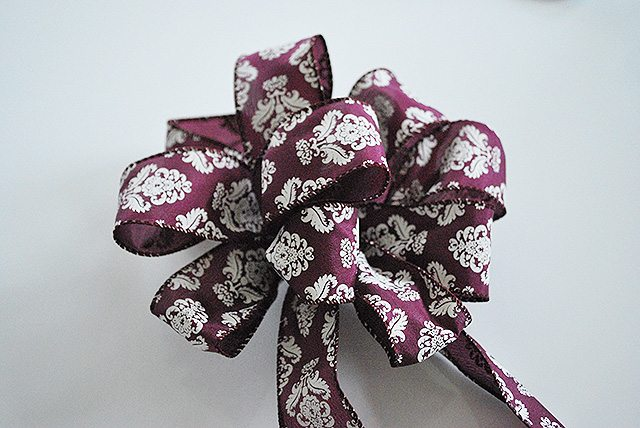 how-to-tie-a-floral-bow-finished