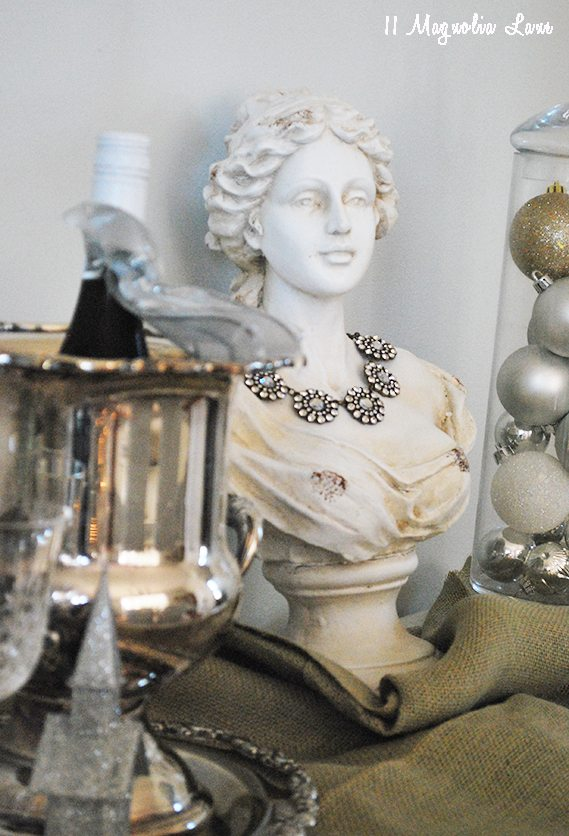 bust-at-home-lady-table