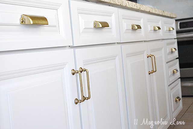 kitchen-reveal-brass-bedford-cabinet-hardware
